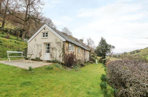 Last Minute Cottages - Tasteful Trefeglwys Cottage S123963