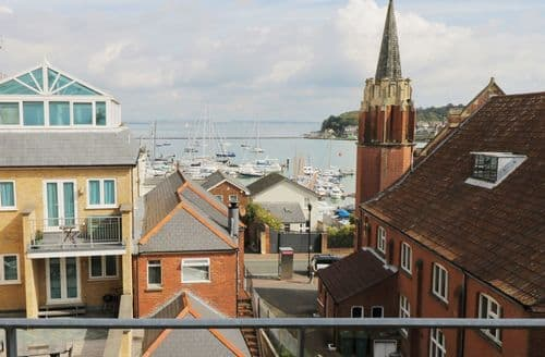 Last Minute Cottages - Charming Cowes Cottage S85889