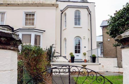 Last Minute Cottages - Wonderful Ilfracombe Cottage S90479