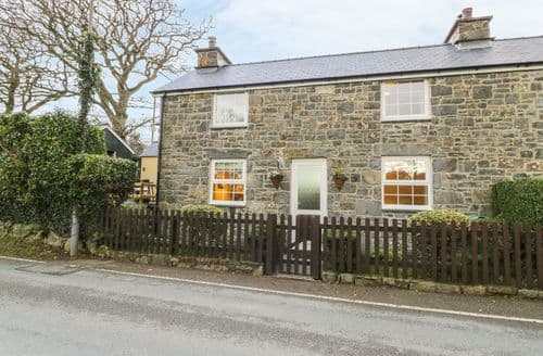 Last Minute Cottages - Beautiful Bontnewydd Cottage S88586