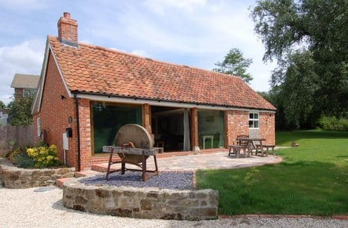 Last Minute Cottages - Bramble Barn