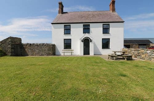 Last Minute Cottages - Attractive  Cottage S104260