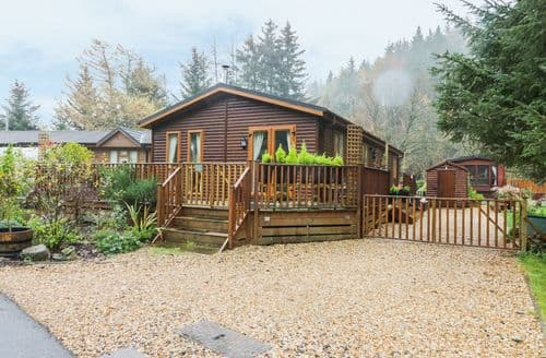Last Minute Cottages - Pine Tree Lodge