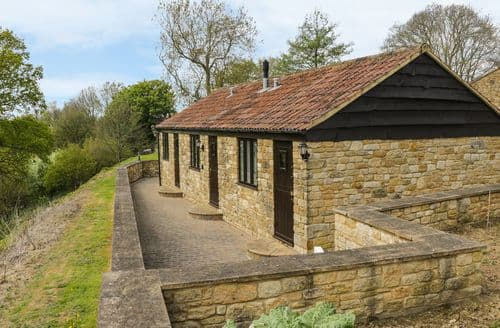 Last Minute Cottages - Bluebell Cottage at Honeywood