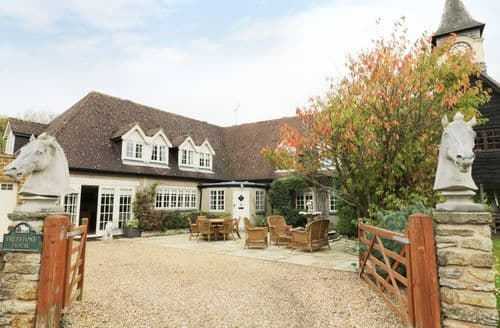 Last Minute Cottages - Freestone House