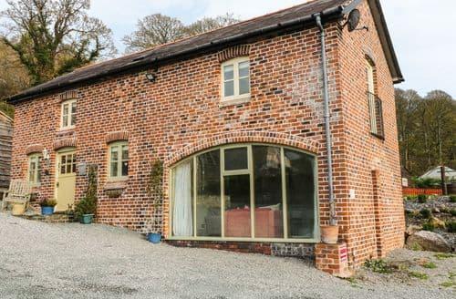 Last Minute Cottages - Beautiful Llangollen Cottage S88449