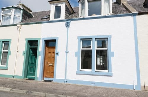 Last Minute Cottages - The Beacon