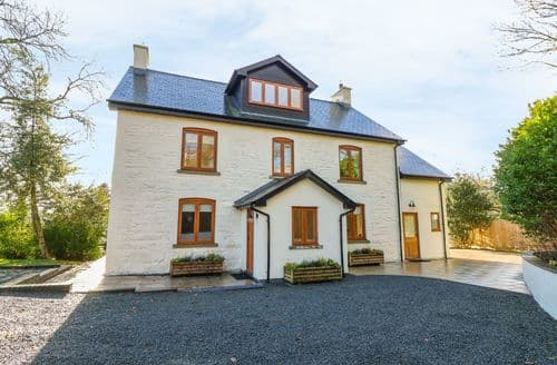 Last Minute Cottages - Oakwood House