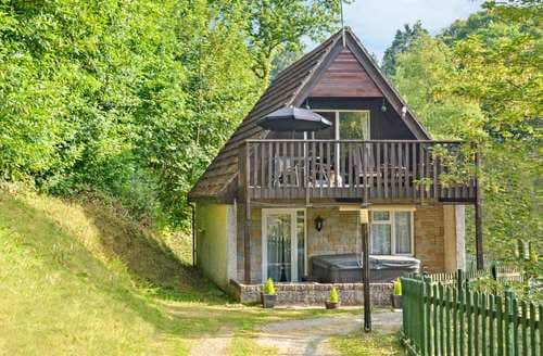 Last Minute Cottages - Valley Lodge 30