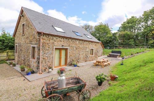 Last Minute Cottages - Penlan Barn