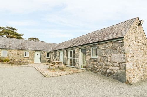Last Minute Cottages - Bwthyn Bach