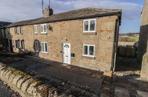 Last Minute Cottages - Adorable Wall Cottage S89045