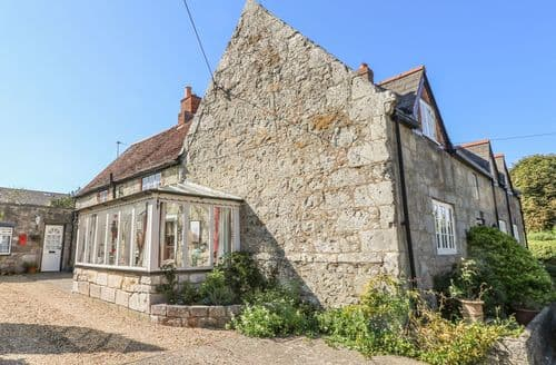Last Minute Cottages - Adorable Ventnor Cottage S123666