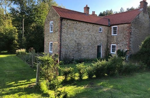 Last Minute Cottages - Low Moor Farm
