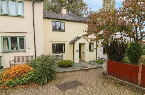Last Minute Cottages - Lovely Coniston Cottage S123158