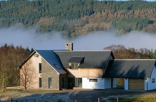 Last Minute Cottages - Luxury Lochawe Cottage S93994