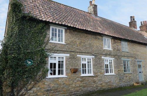 Last Minute Cottages - Tasteful Ebberston Cottage S91131