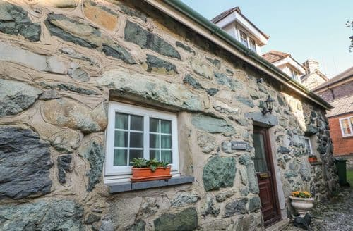 Last Minute Cottages - Quaint Dolgellau Cottage S94494