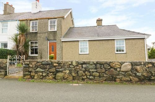 Last Minute Cottages - Bryn Lleuddad