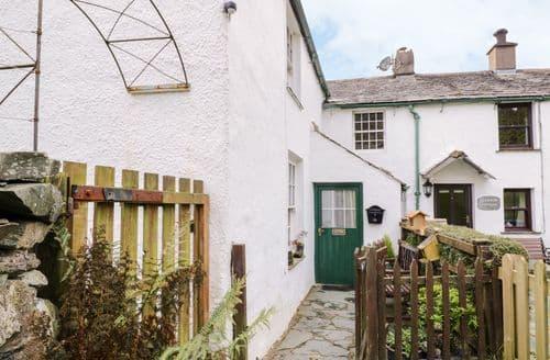 Dog Friendly Cottages - Quaint Keswick Cottage S128557