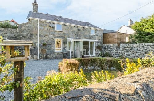Last Minute Cottages - Delightful Trawsfynydd Cottage S105819