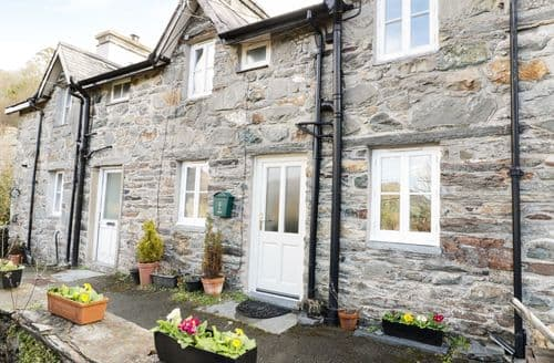 Last Minute Cottages - 2 Fron Goch