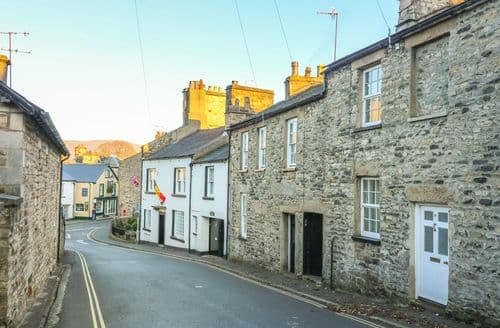 Last Minute Cottages - Lovely Kirkby Lonsdale Cottage S89606