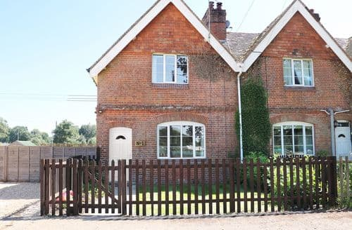 Last Minute Cottages - New Park Farm Cottage