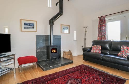 Last Minute Cottages - Esthers Barn