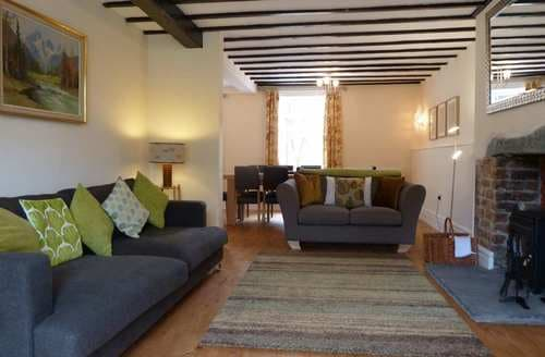 Dog Friendly Cottages - Charming Keswick Cottage S89870