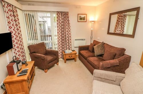 Last Minute Cottages - Cosy Waterhead Cottage S89868