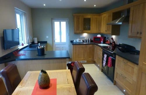 Last Minute Cottages - Meadow Croft Cottage
