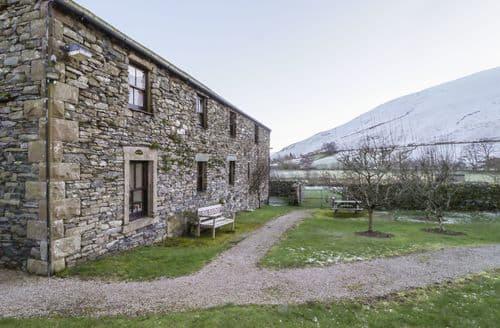 Last Minute Cottages - Hayloft