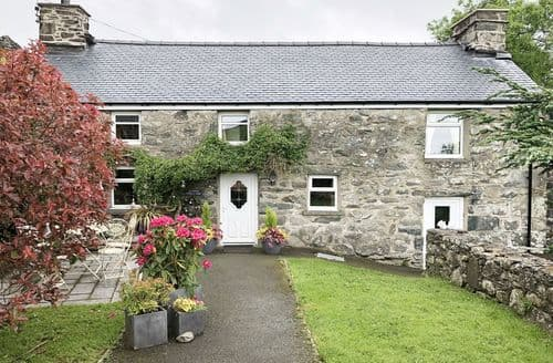 Last Minute Cottages - Cefn Uchaf Cottage