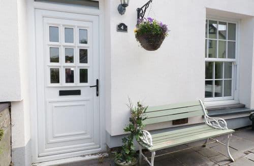 Last Minute Cottages - Gorgeous Clwt Y Bont Cottage S98613