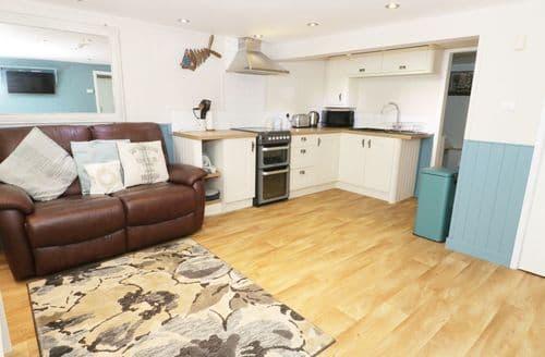 Last Minute Cottages - Stunning Benllech Cottage S96980