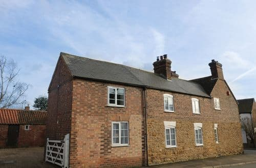 Last Minute Cottages - Charming Scalford Cottage S94445