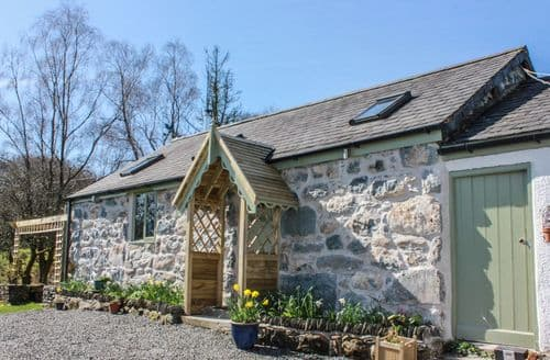 Last Minute Cottages - Wern Ddu