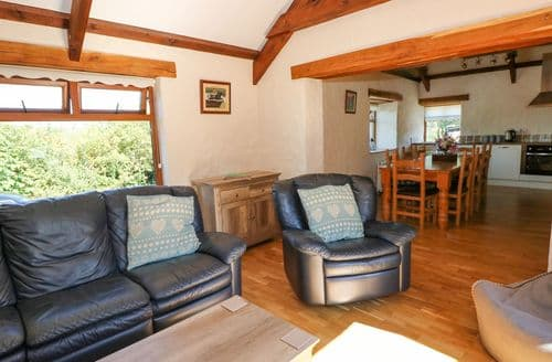 Last Minute Cottages - Cosy  Cottage S113699