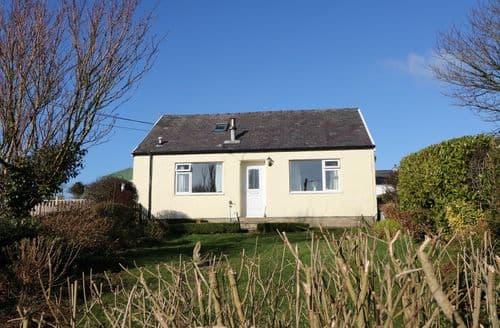 Last Minute Cottages - Bryn Hyfryd Cottage