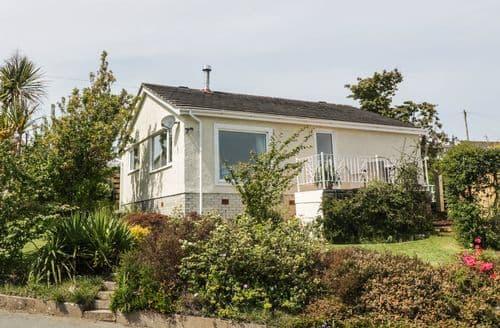 Last Minute Cottages - Gorgeous Benllech Cottage S100809