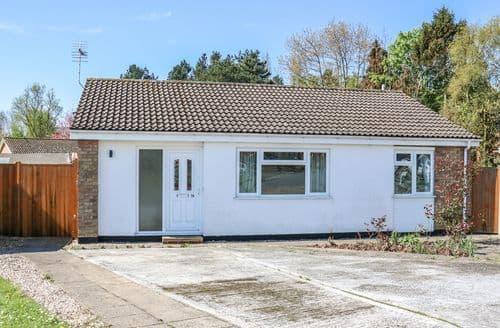 Last Minute Cottages - Attractive Stalham Cottage S101629