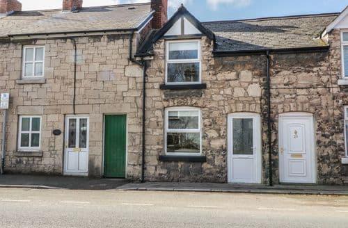 Last Minute Cottages - Tasteful Ruthin Cottage S97302