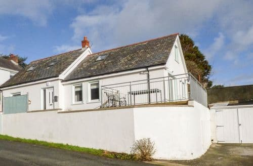 Last Minute Cottages - Attractive Llanstadwell Cottage S93345
