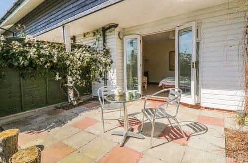Last Minute Cottages - Splendid Sutton Cottage S97725