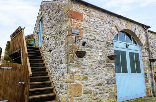 Last Minute Cottages - The Old Bakery Barn