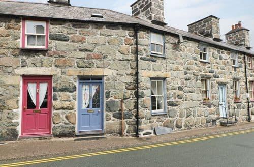 Big Cottages - 4 Cader Road