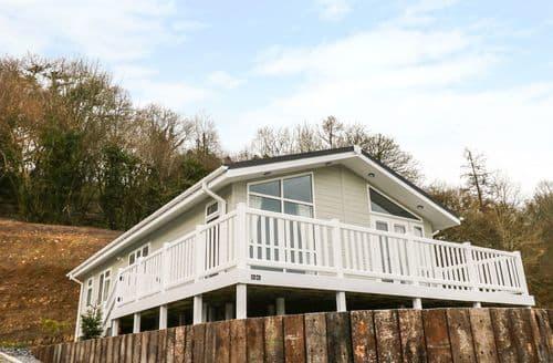 Last Minute Cottages - Lodge 66