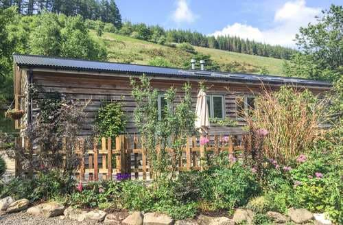 Last Minute Cottages - Cwmbiga Bach