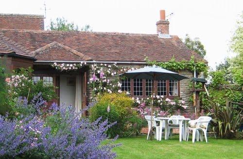 Last Minute Cottages - Gorgeous Henstridge Cottage S95963